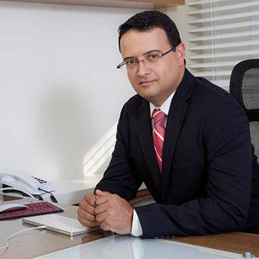 Dr. Fabiano Bento
